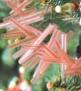 Easy Christmas garland using plastic drinking straws.
