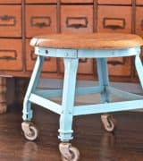 wheely-stool-feature-1