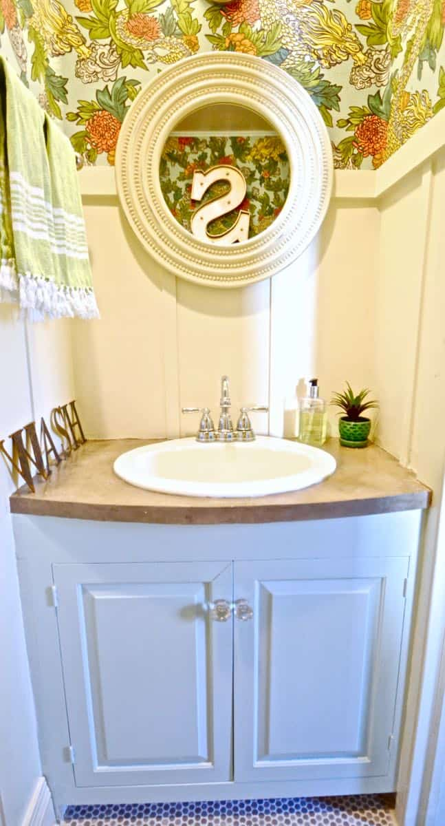 Budget Powder room makeover