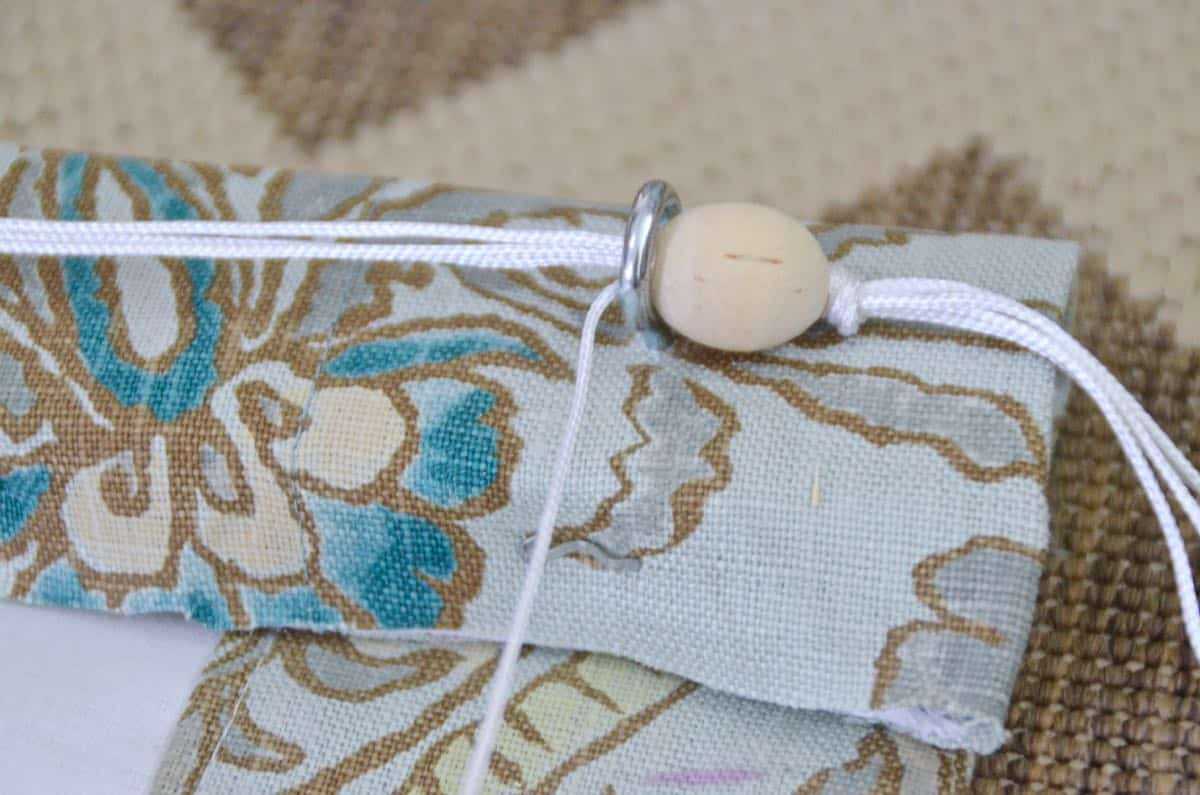 Simple steps to sewing my own fabric roman shades.