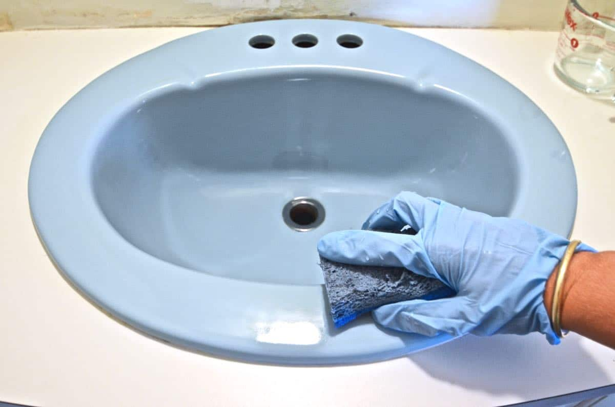Gentil Paint A Sink To Look New And Updated Without Spending A Dime On Plumbing.