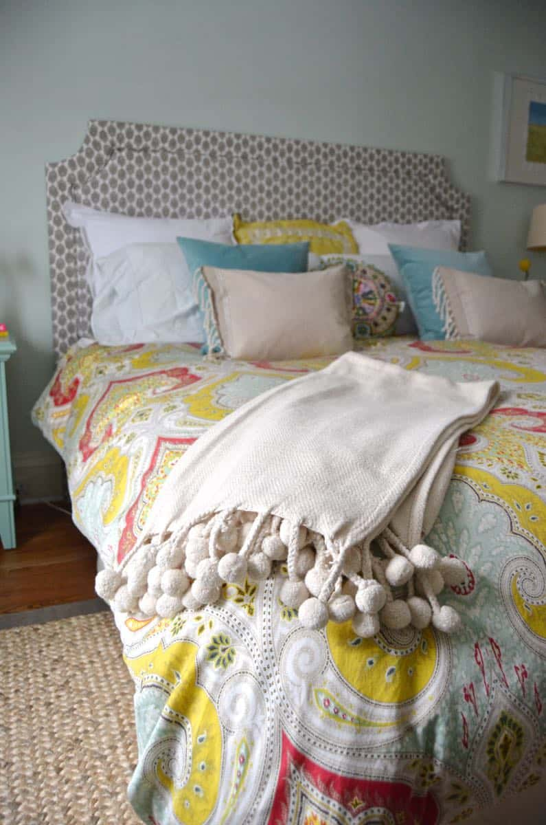 DIY upholstered belgrave headboard tutorial.