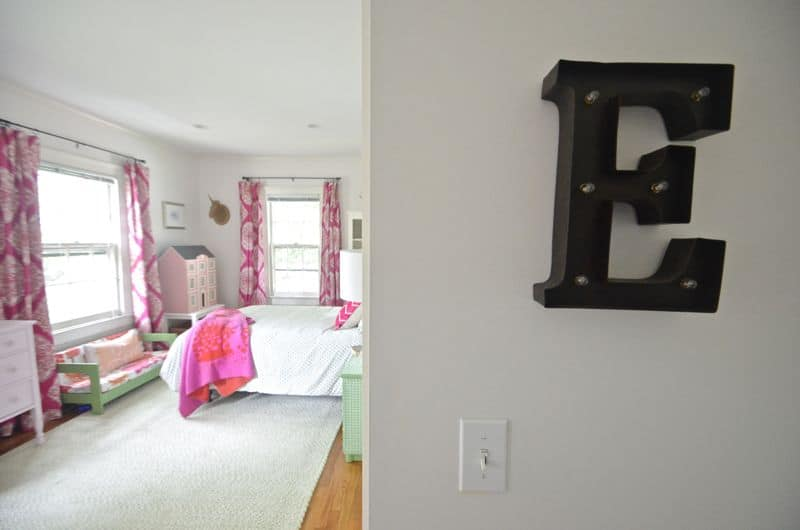 Light up Letter Fuchsia Room