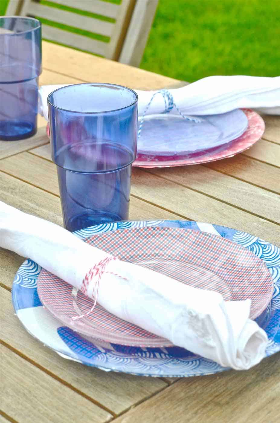 patriotic plates... DIY picnic chargers