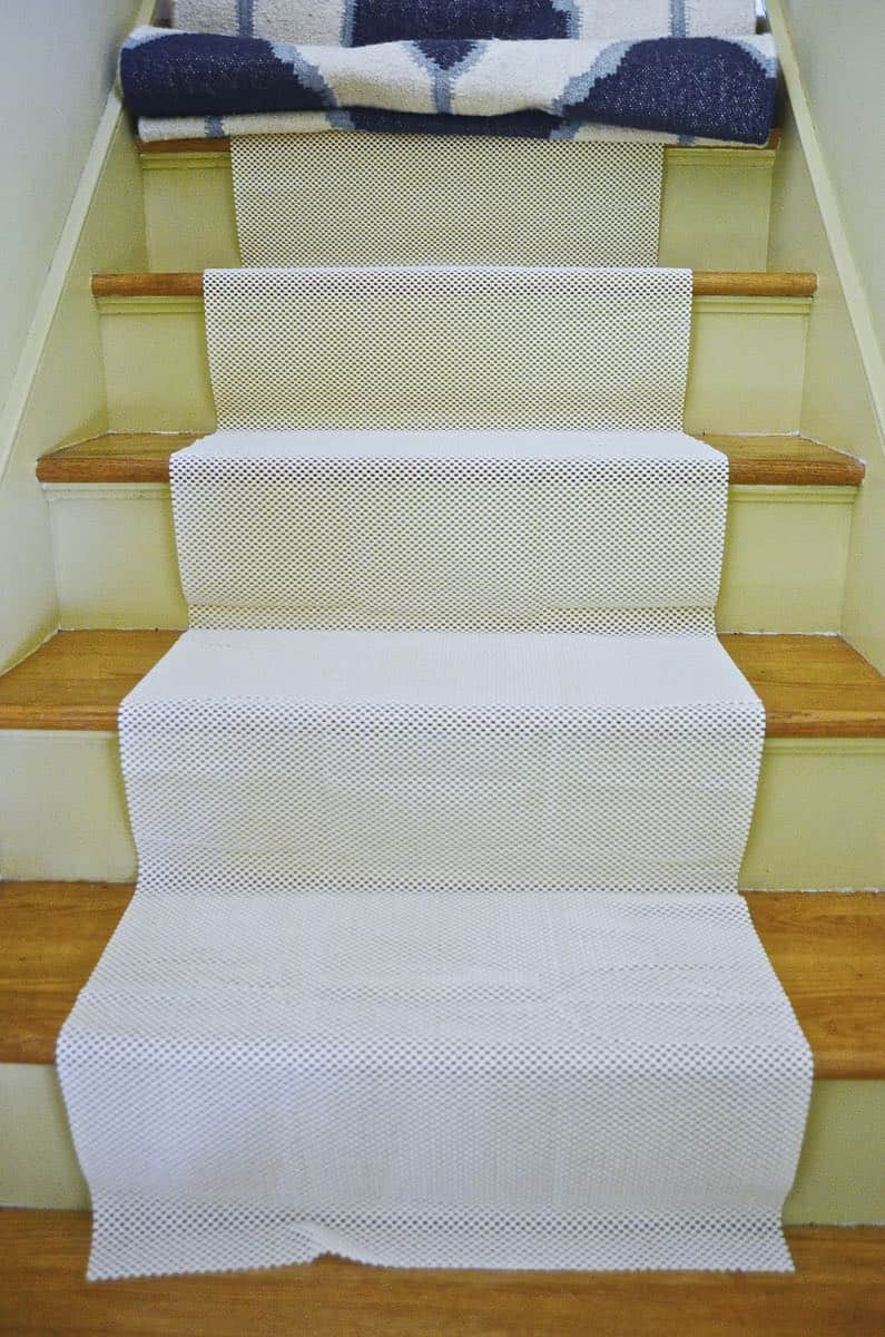 Merveilleux Budget DIY Stair Rods For Under $20.