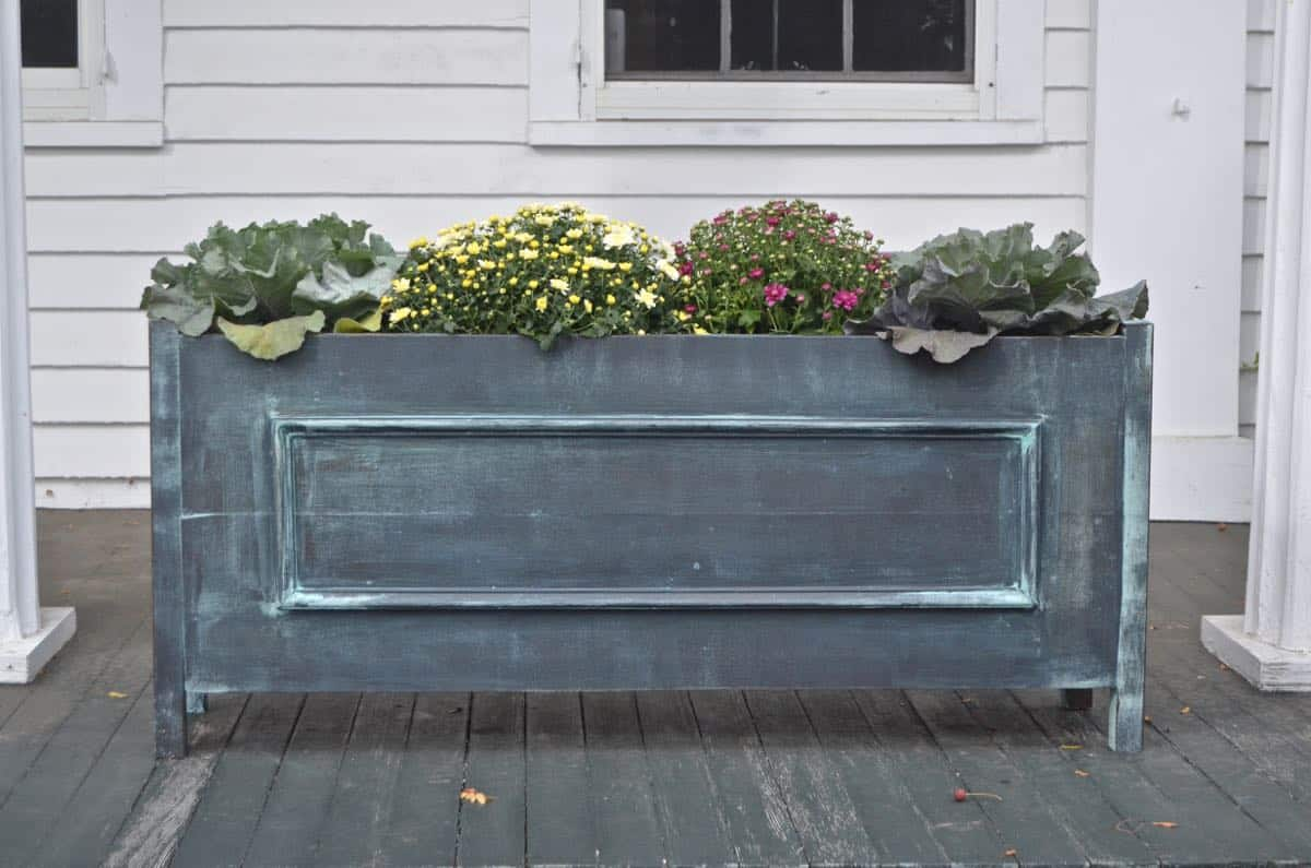 DIY wooden metallic planters with faux painting technique.
