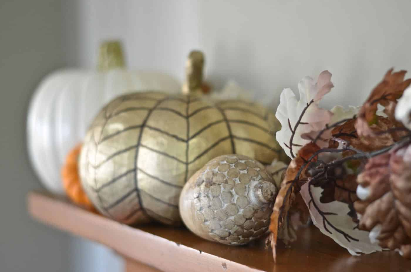 Lazy girl bloggers coming together to share their not so motivated approach to decorating for the fall!