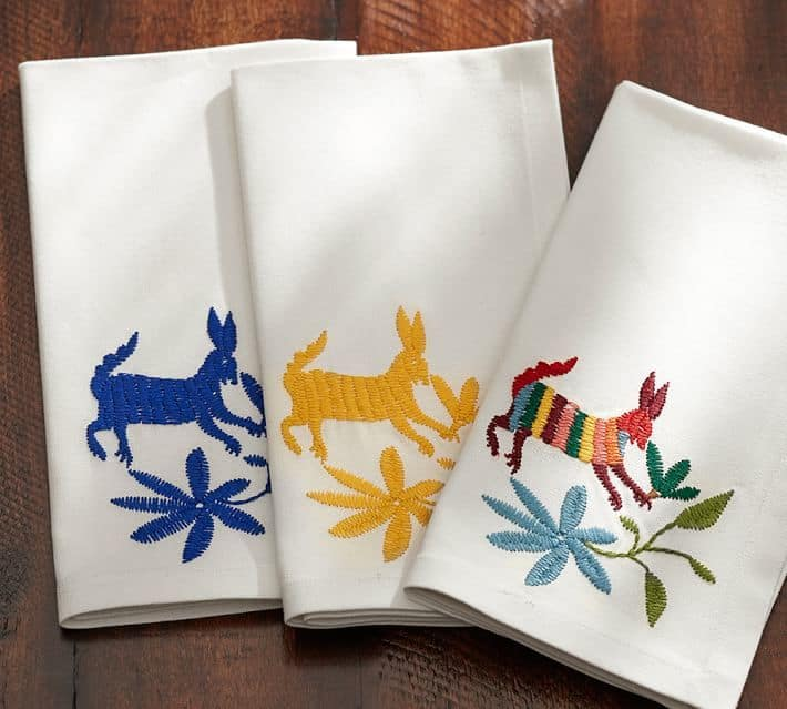 otomi-embroidered-napkin-set-of-4-1-o