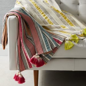 seersucker-stripe-picnic-throw-o