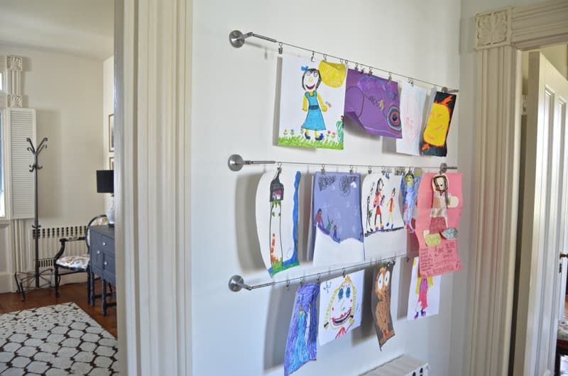 Easy way to display kids artwork on a gallery wall.