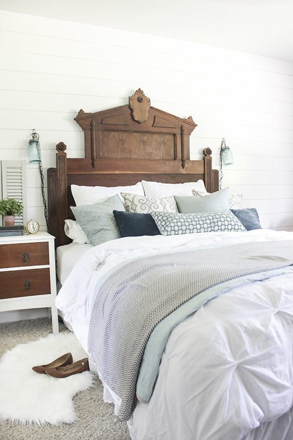 DIY bloggers answer seven questions about their style and their homes and their business each Sunday on At Charlotte's House… this week Shades of Blue Interiors.