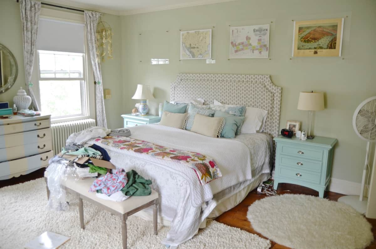 See how a bloggers home really looks... Keeping it Real House Tour