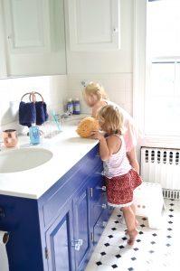 girls-using-navy-vanity
