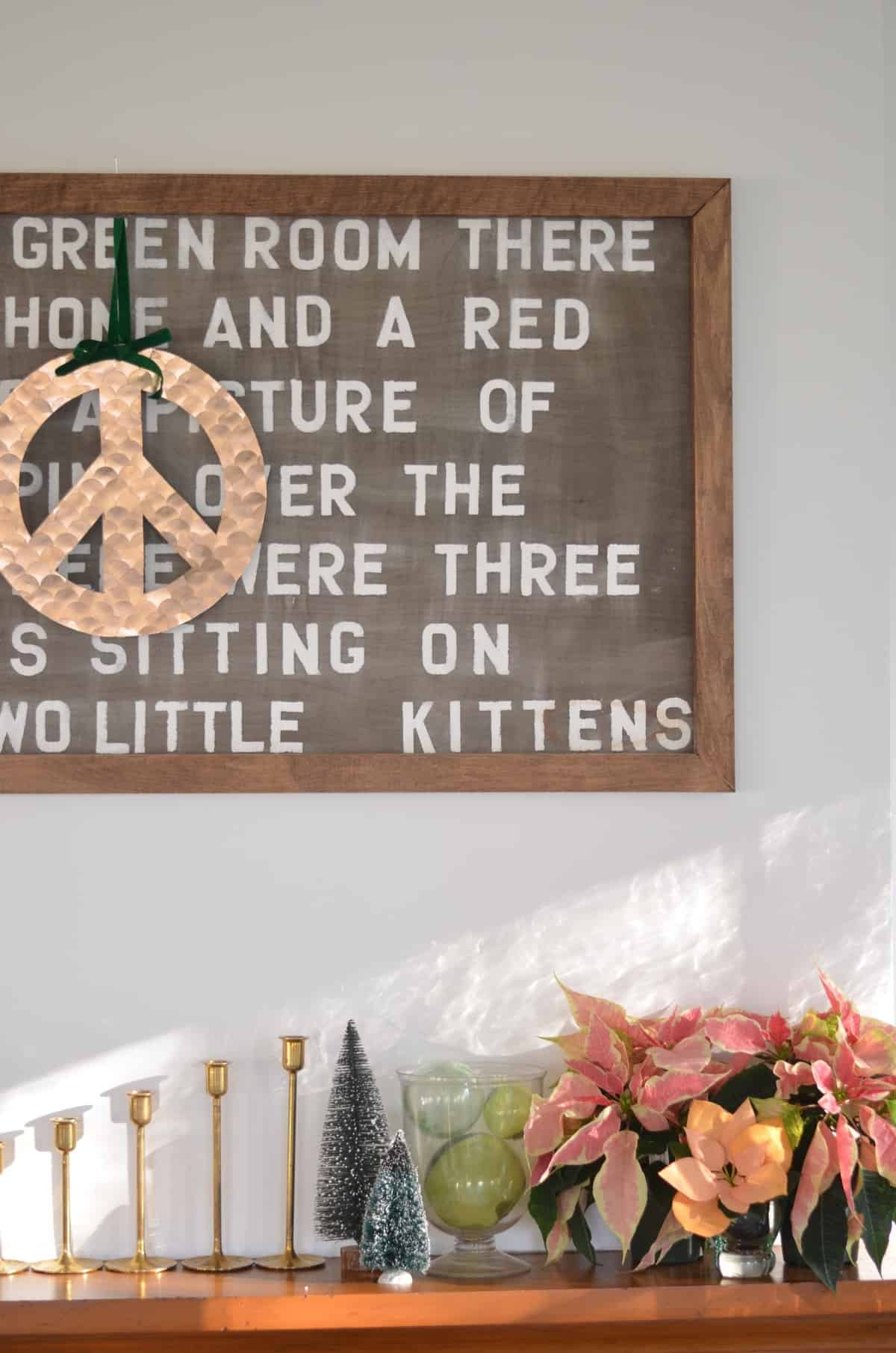 DIY bloggers transform basic craft store peace signs into Peace Love and DIY creativity.