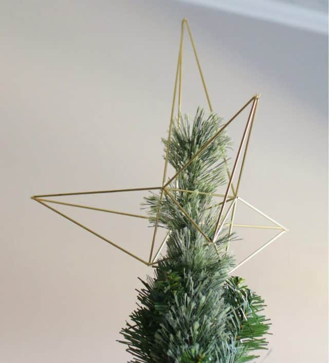 Favorite DIY ideas for homemade tree toppers
