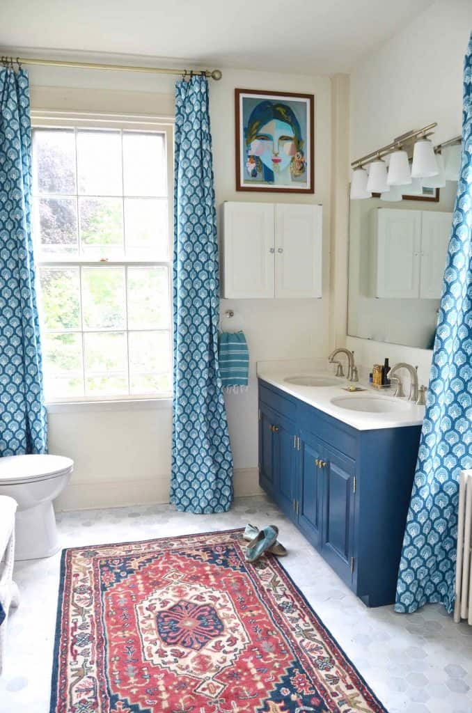 pattern mixing in master bathroom