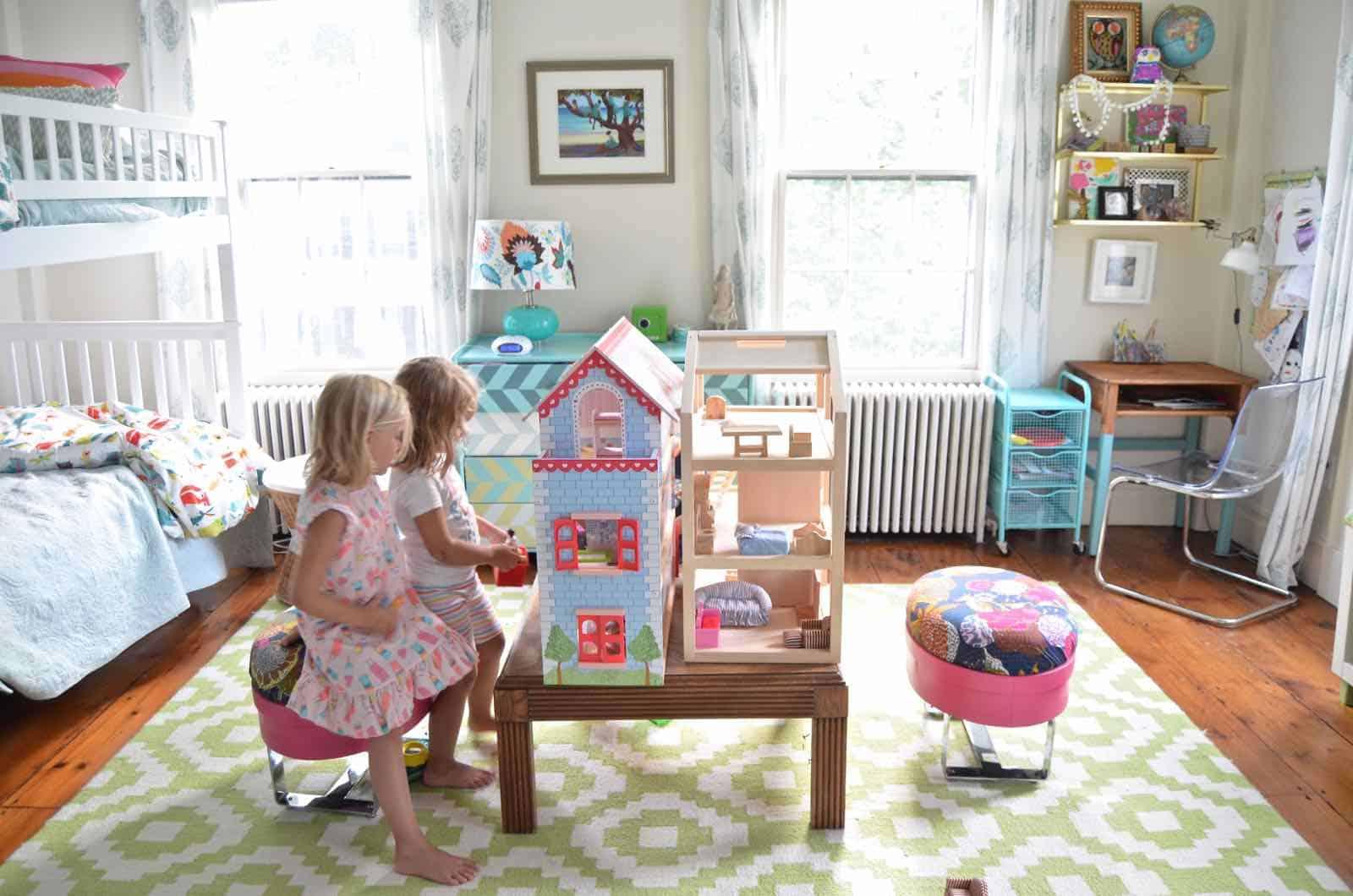 doll houses in girls room