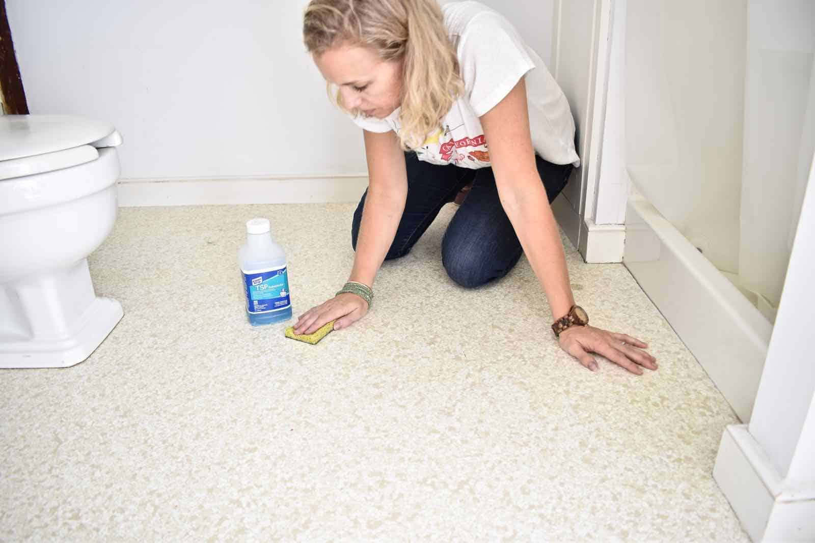 cleaning the bathroom floor with TSP