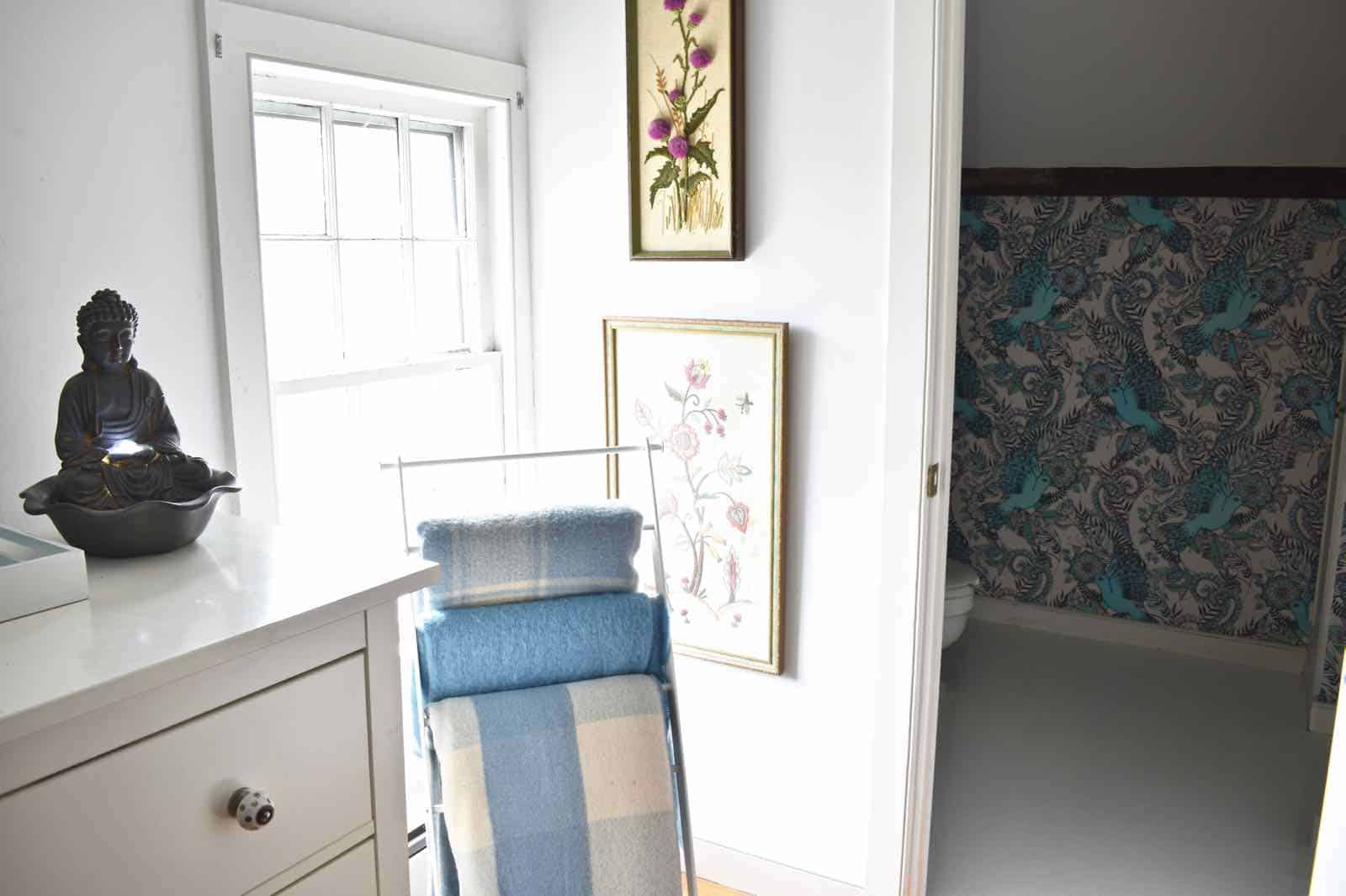 wallpaper of one room challenge