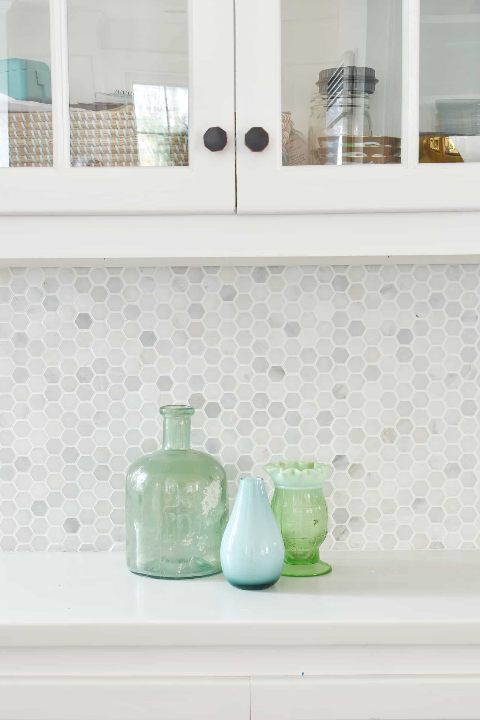 backsplash tile with marble hex