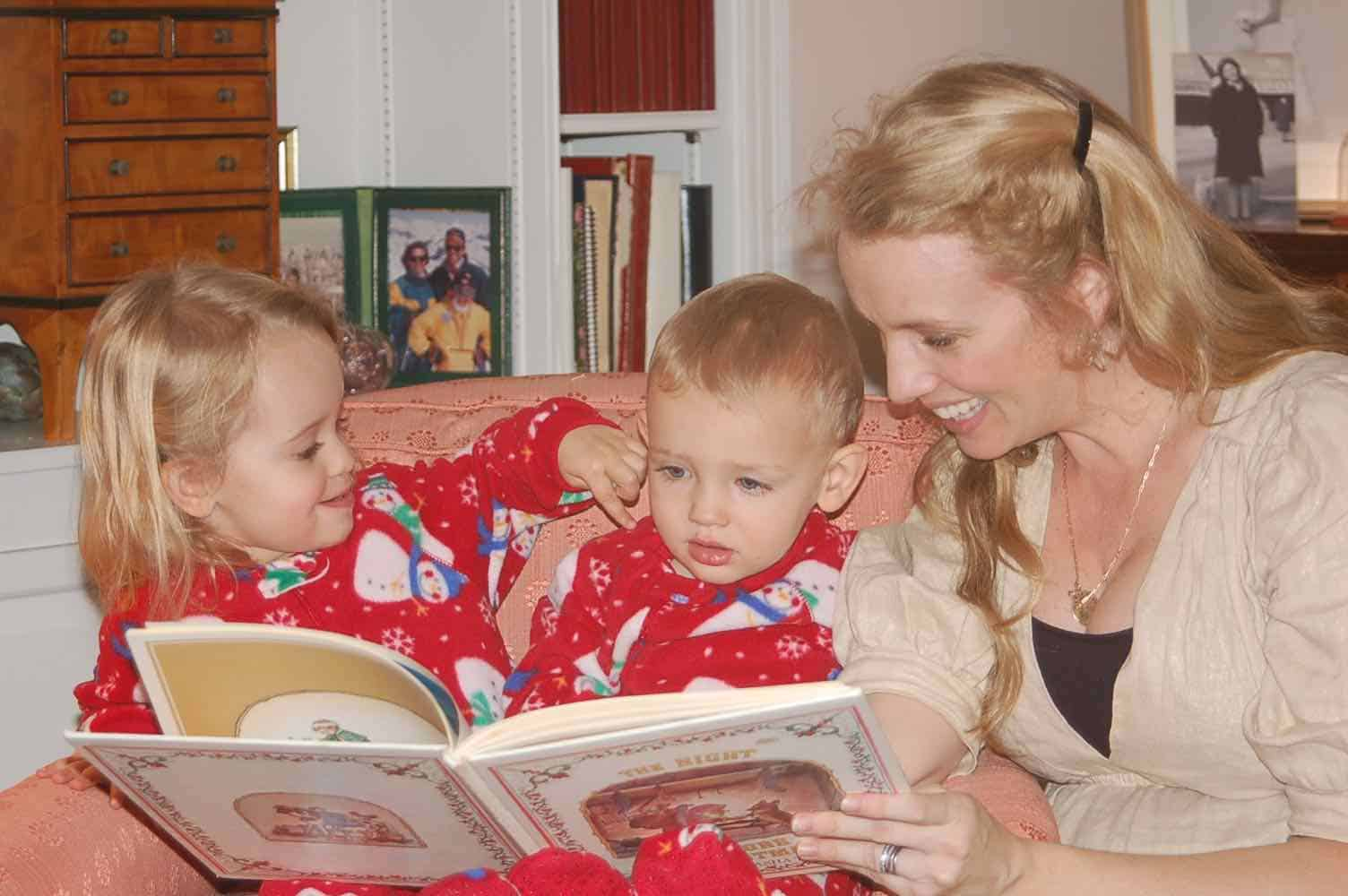 reading the night before christmas