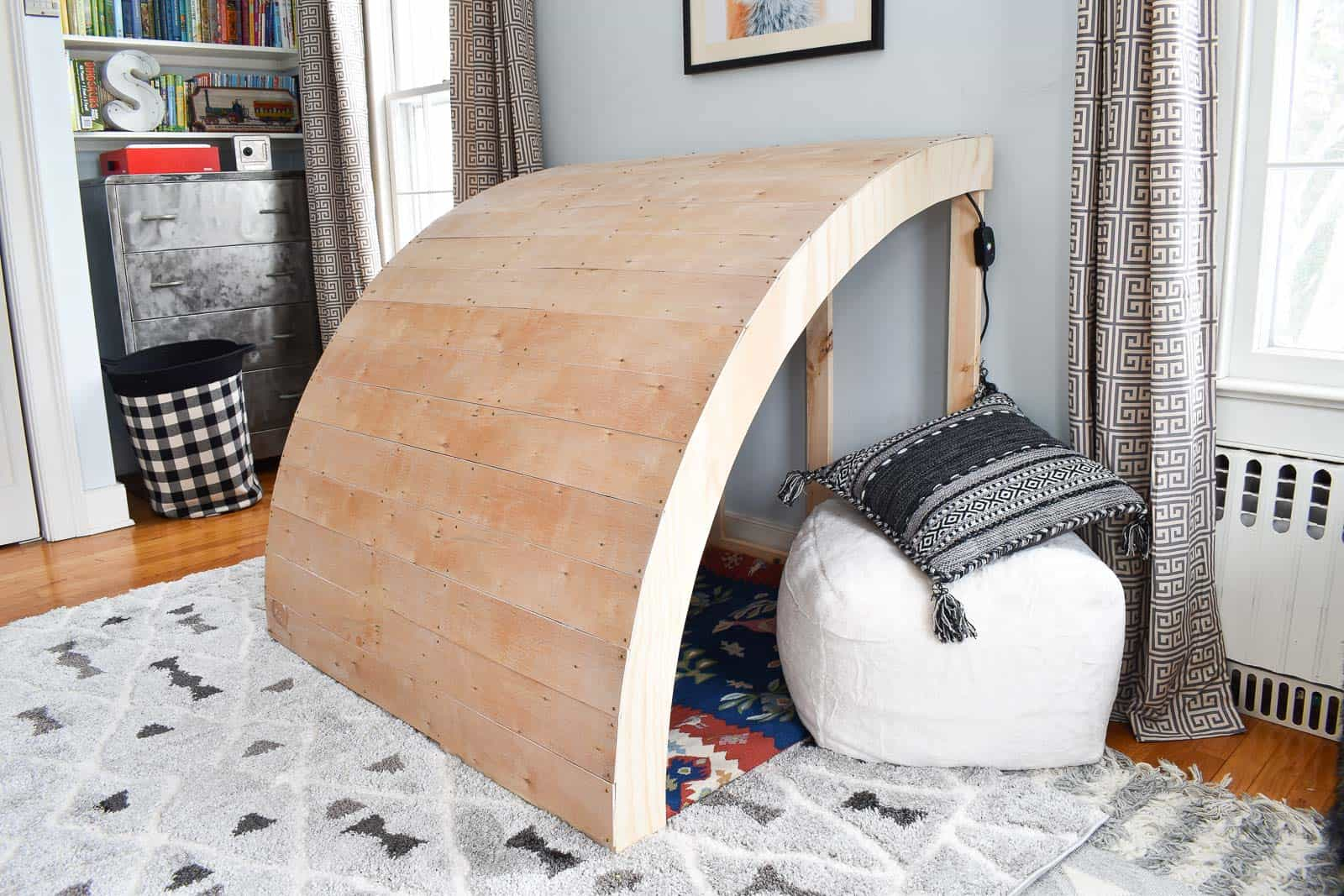 reading nook for Oliver's Room