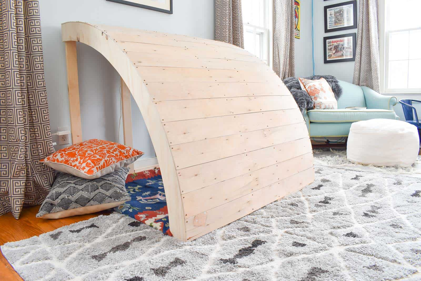 diy wooden reading nook