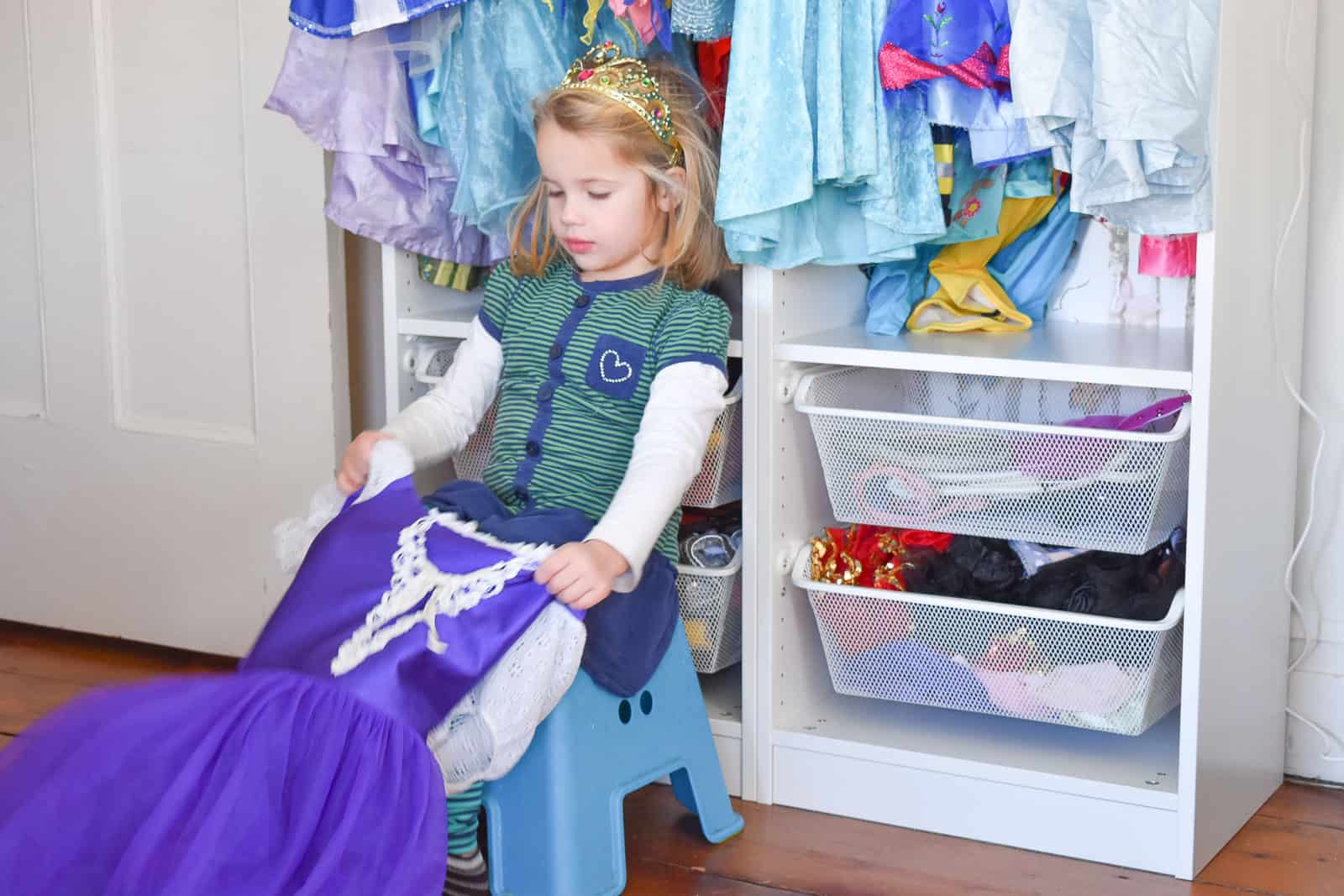 wear loose fitting clothes when potty training