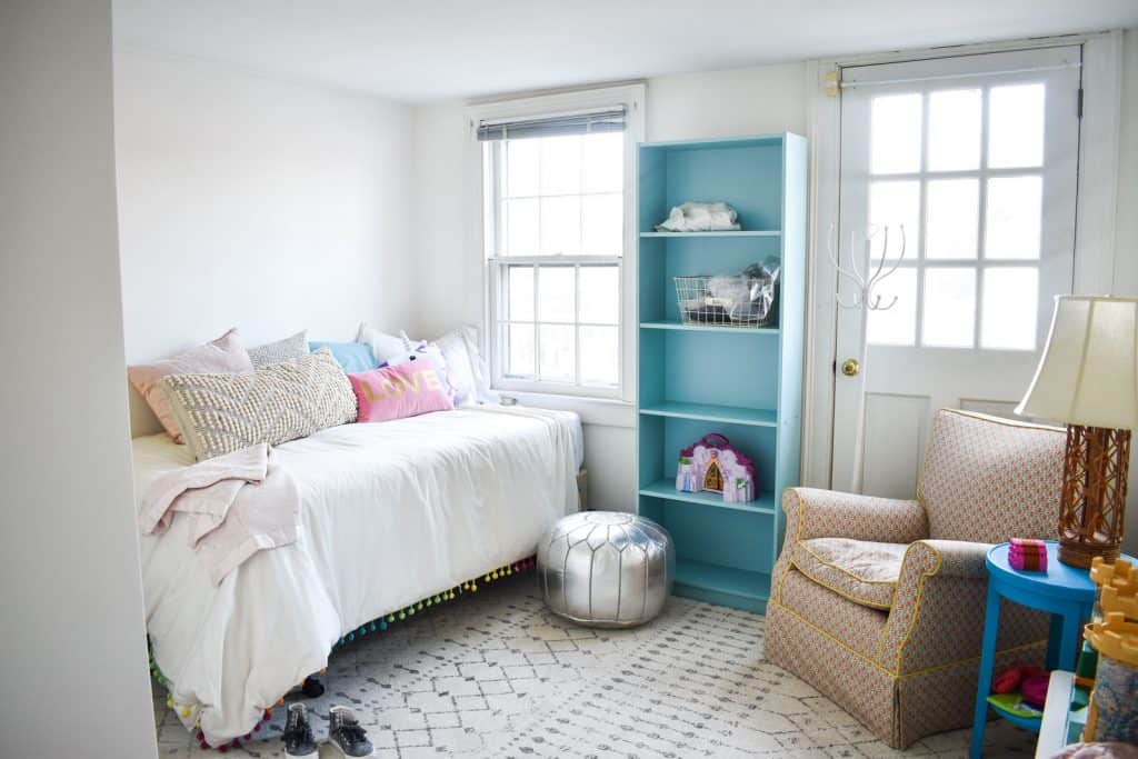 Dueling DIY Guest Room Gauntlet Paint and Purchases