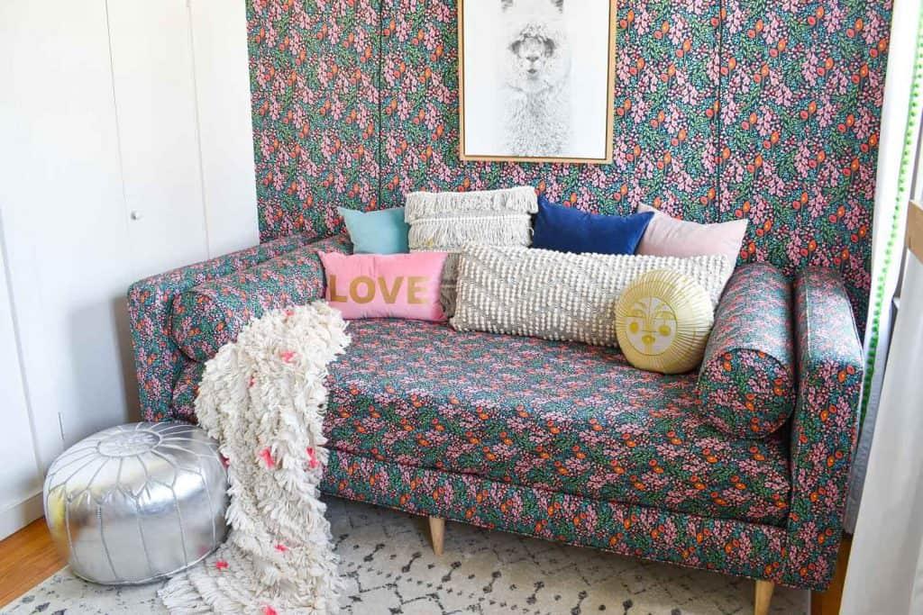 throw pillows on the daybed