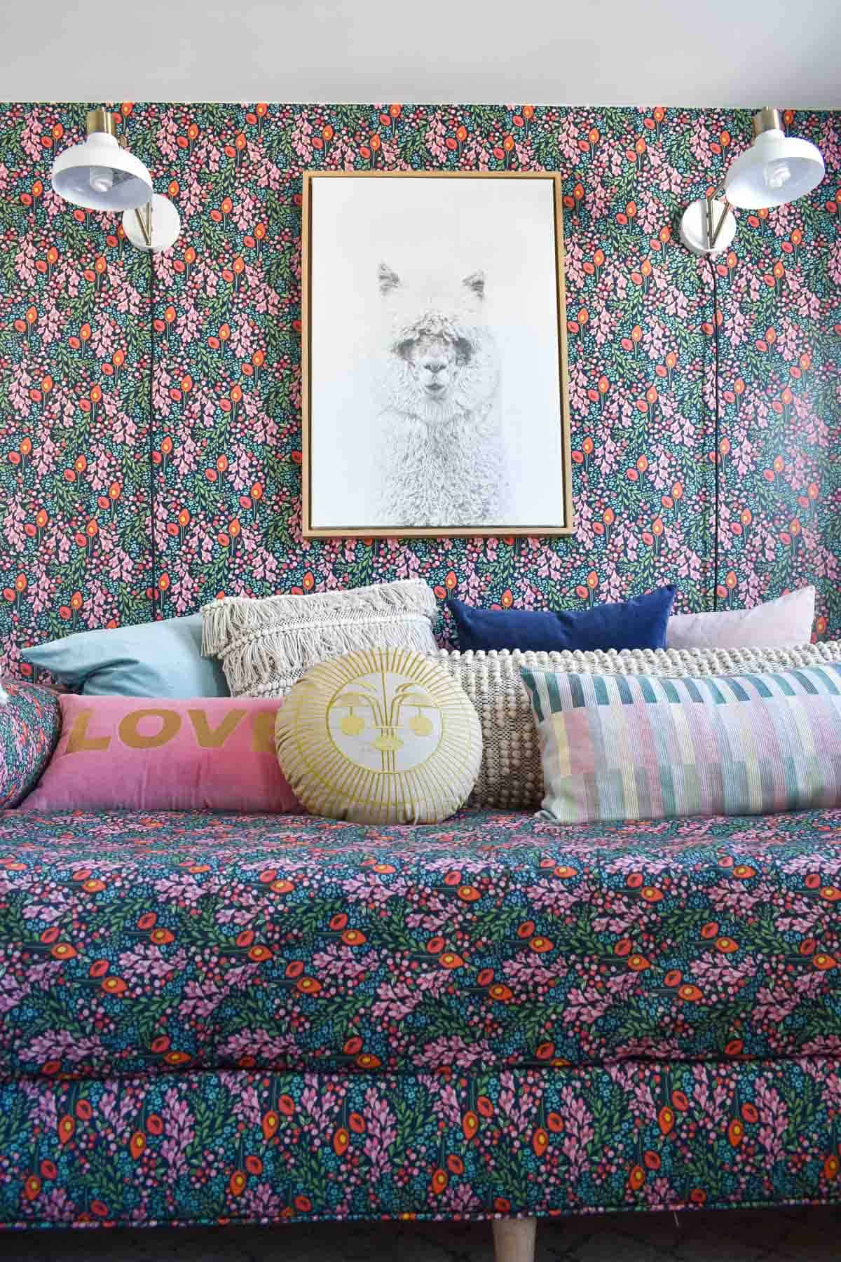 guest room daybed