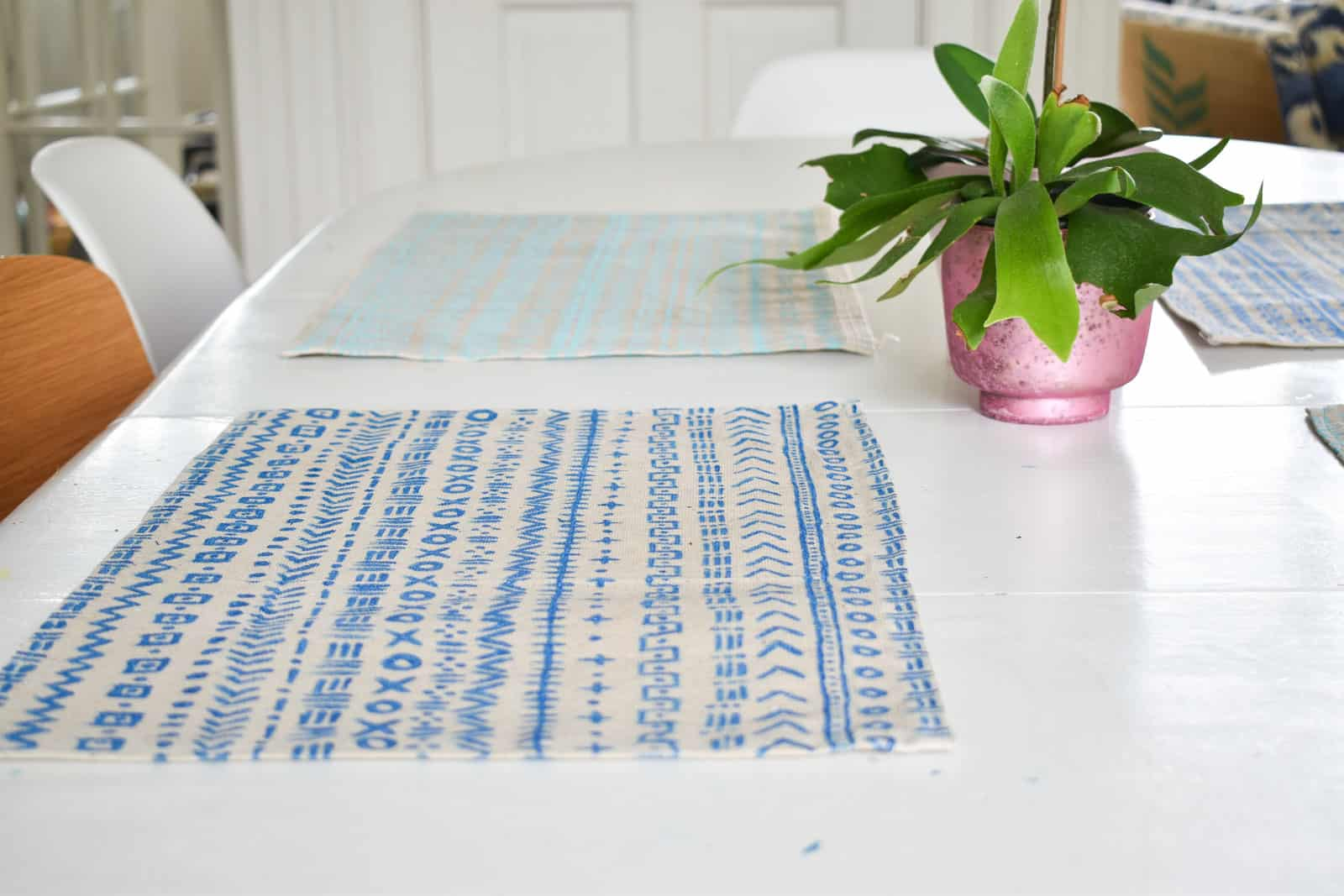 placemats with mudcloth pattern