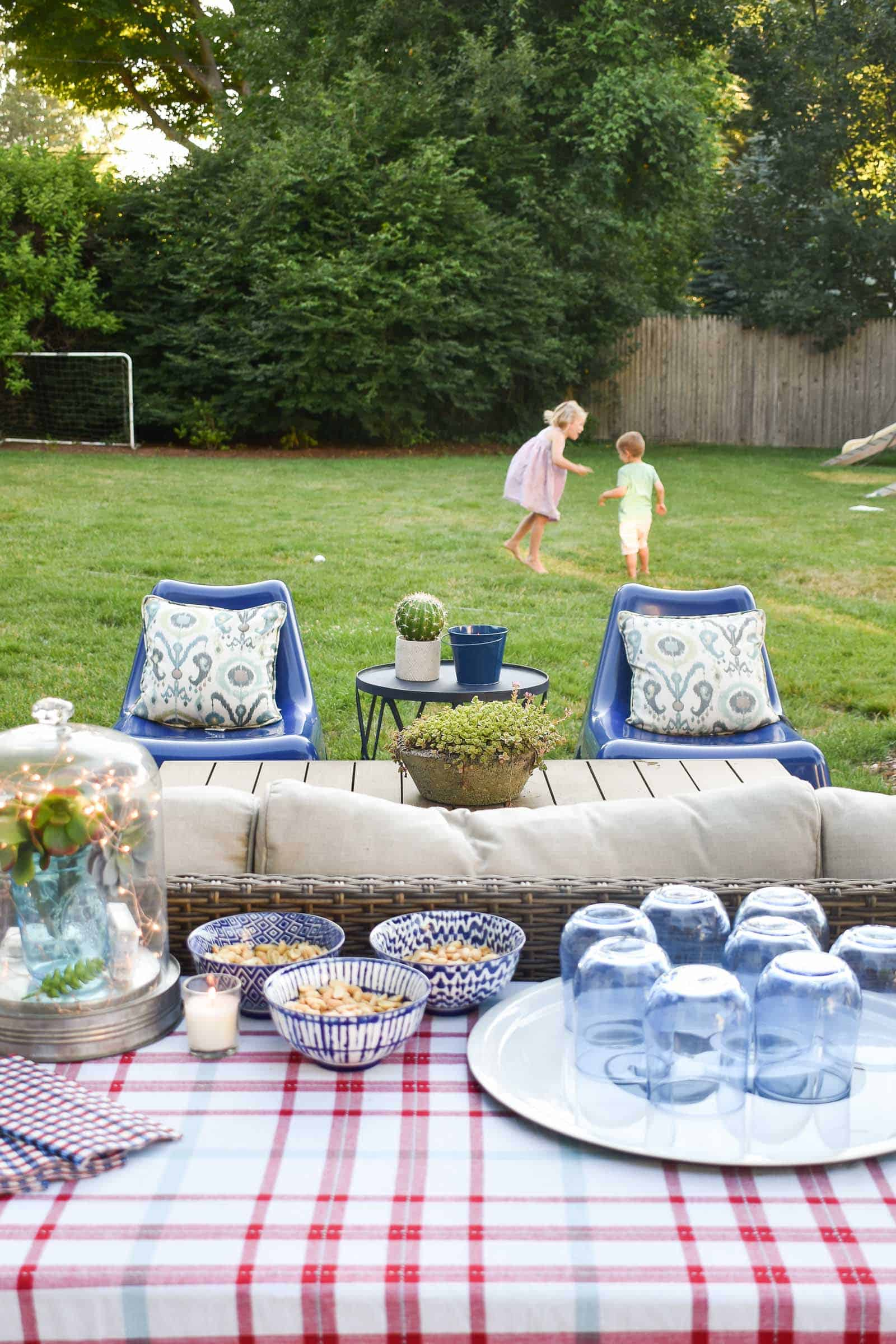 simple decorations for outdoor patio party
