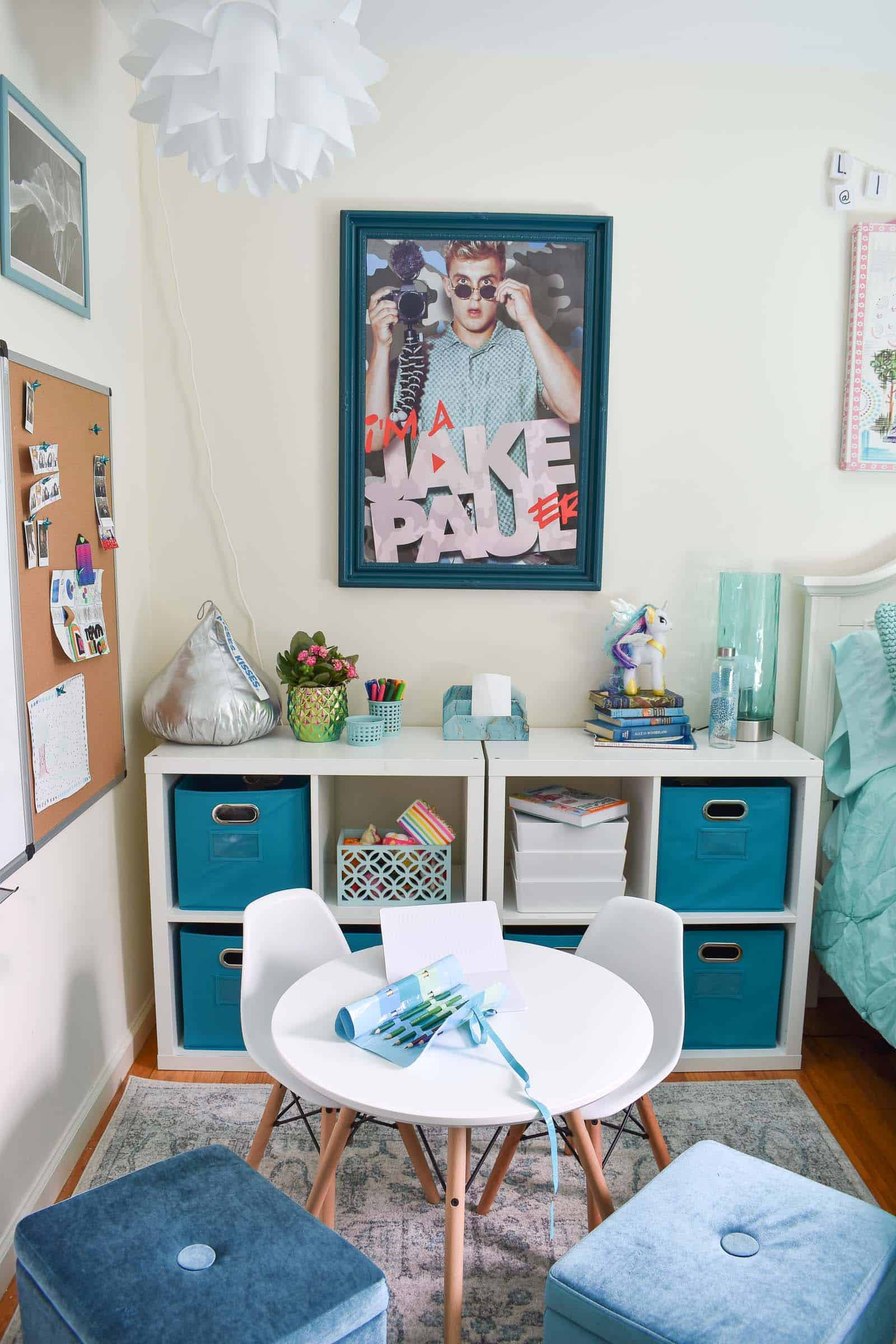 blue and white rug in girls room