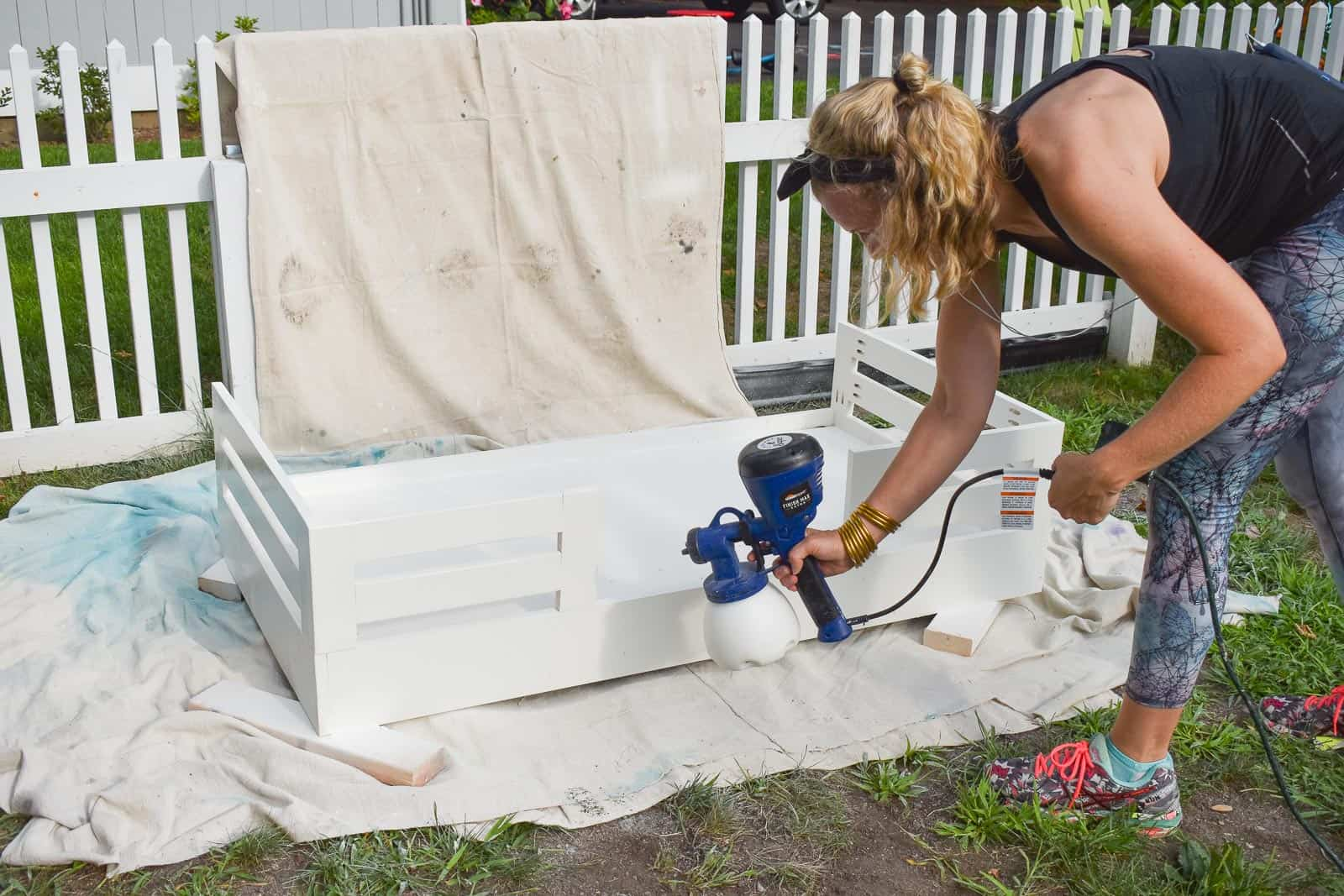 using the homeright finish max to paint toddler bed