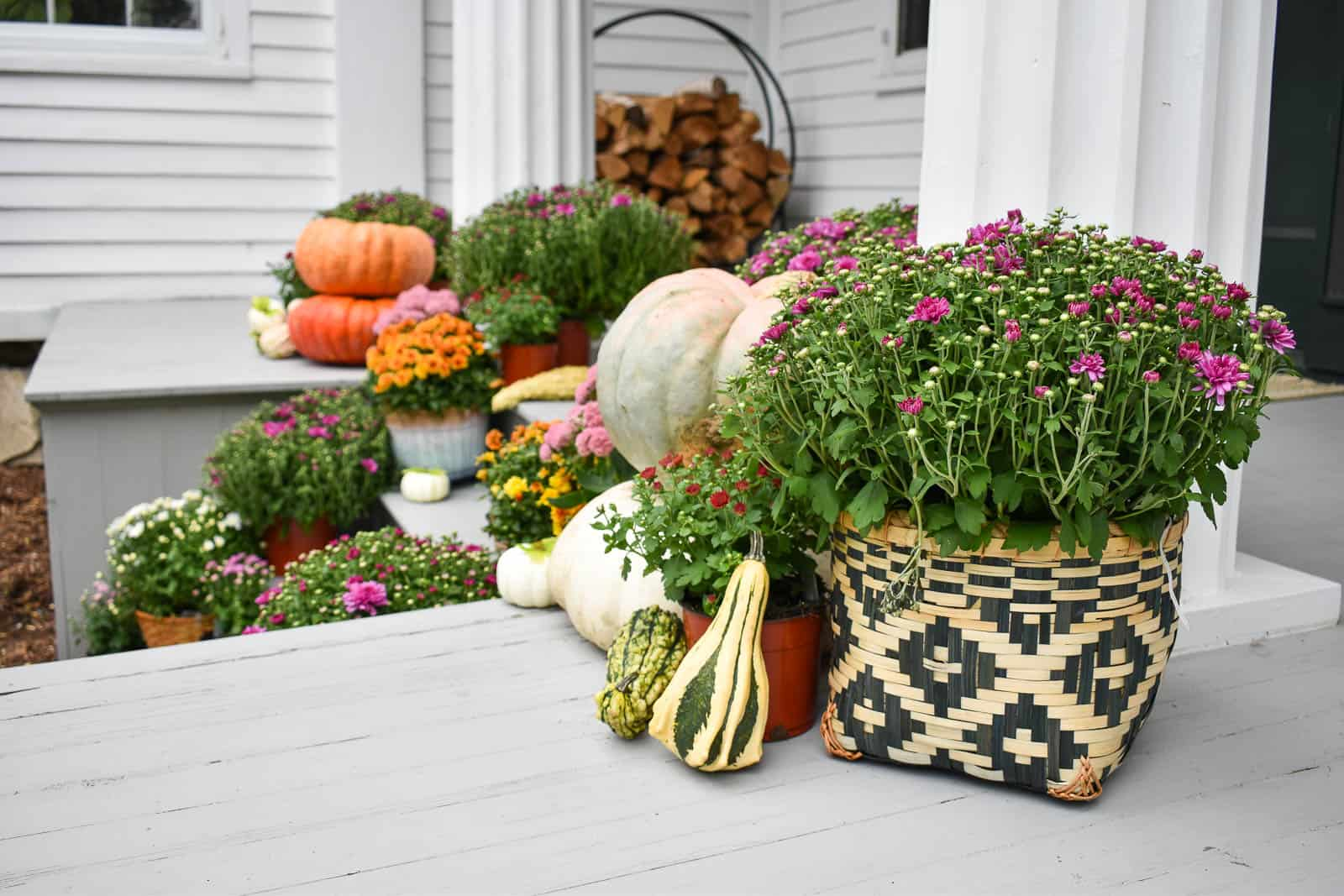 decorating our front porch for fall