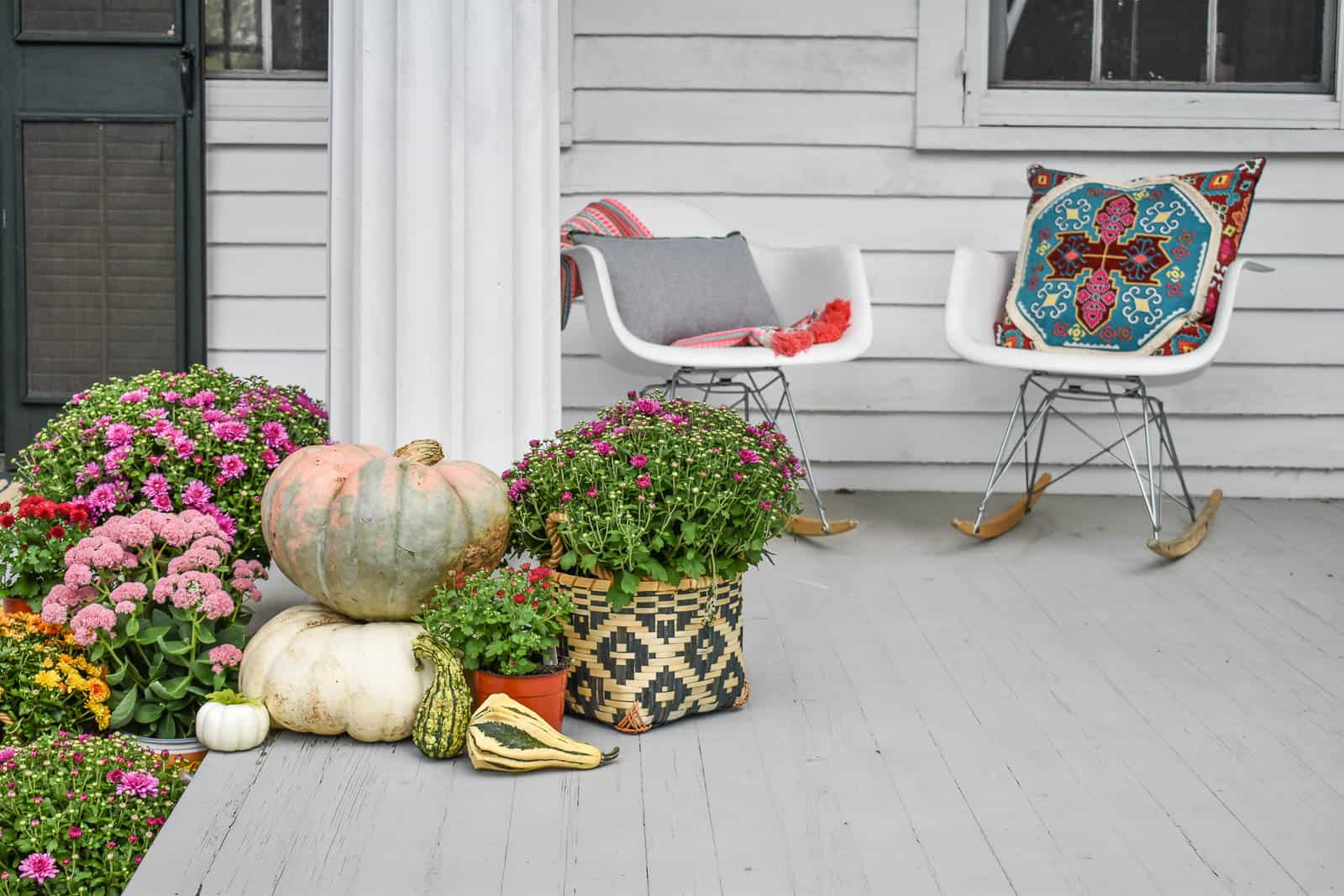 COlorful fall front porch