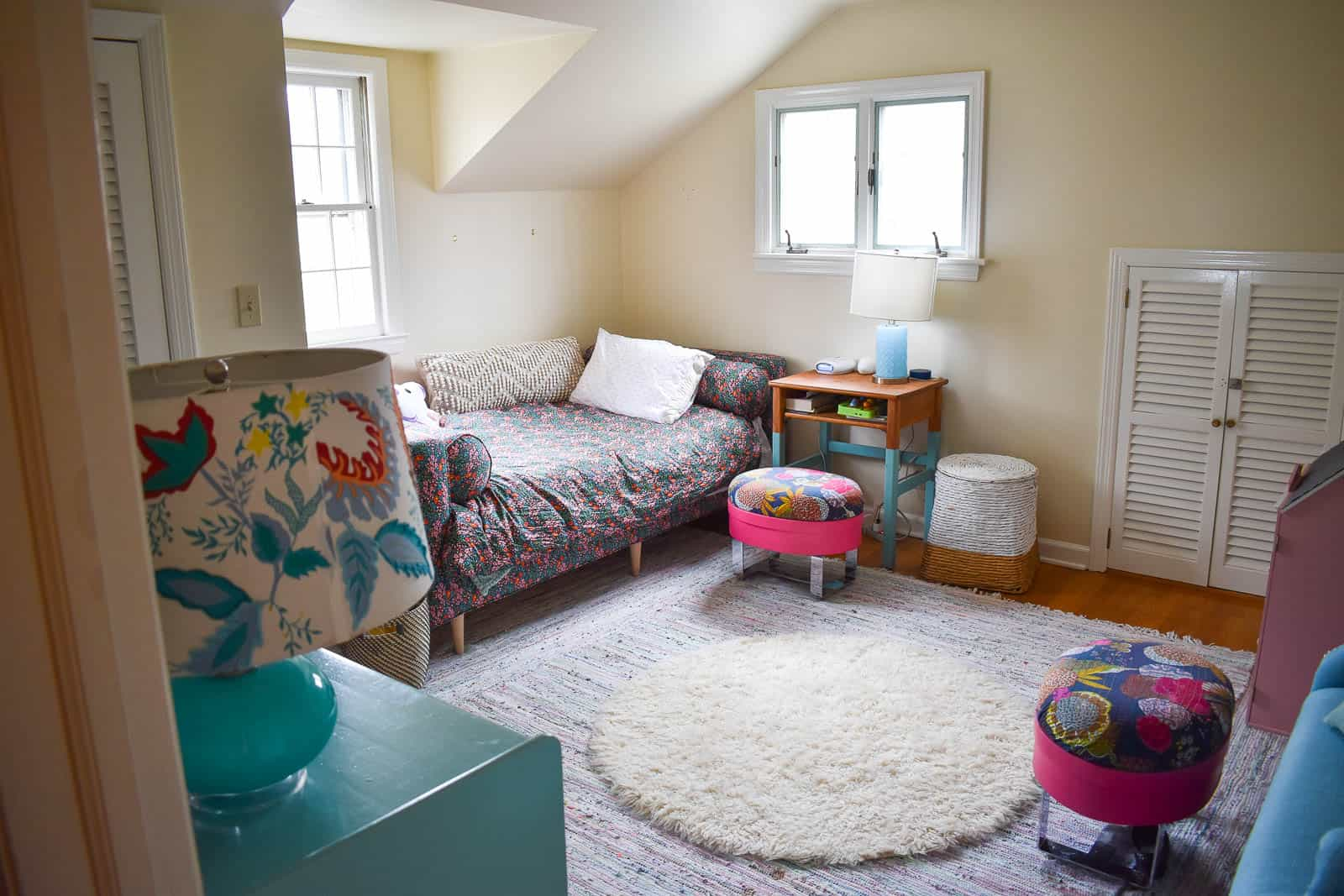 where to place rugs and bedroom furniture