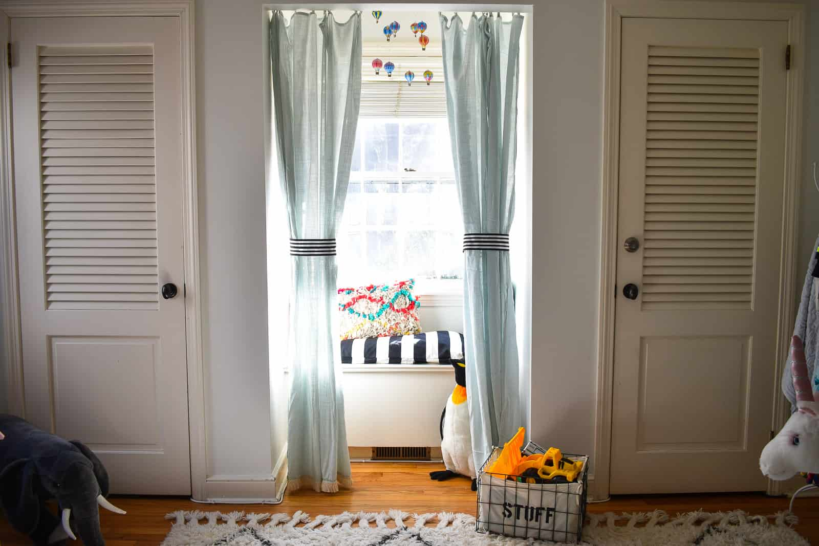 window seat reading nook in kids space