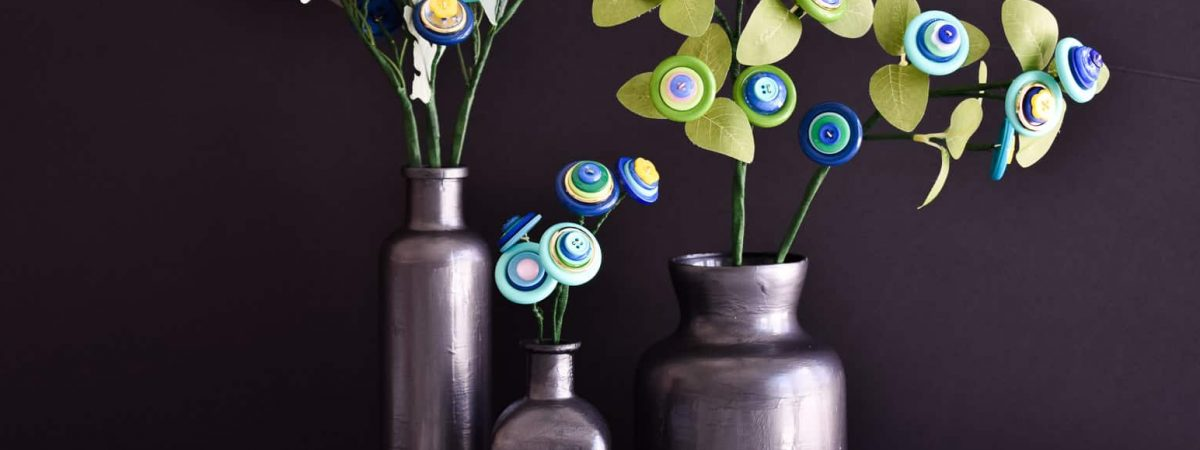 How to Make Colorful Button Flowers