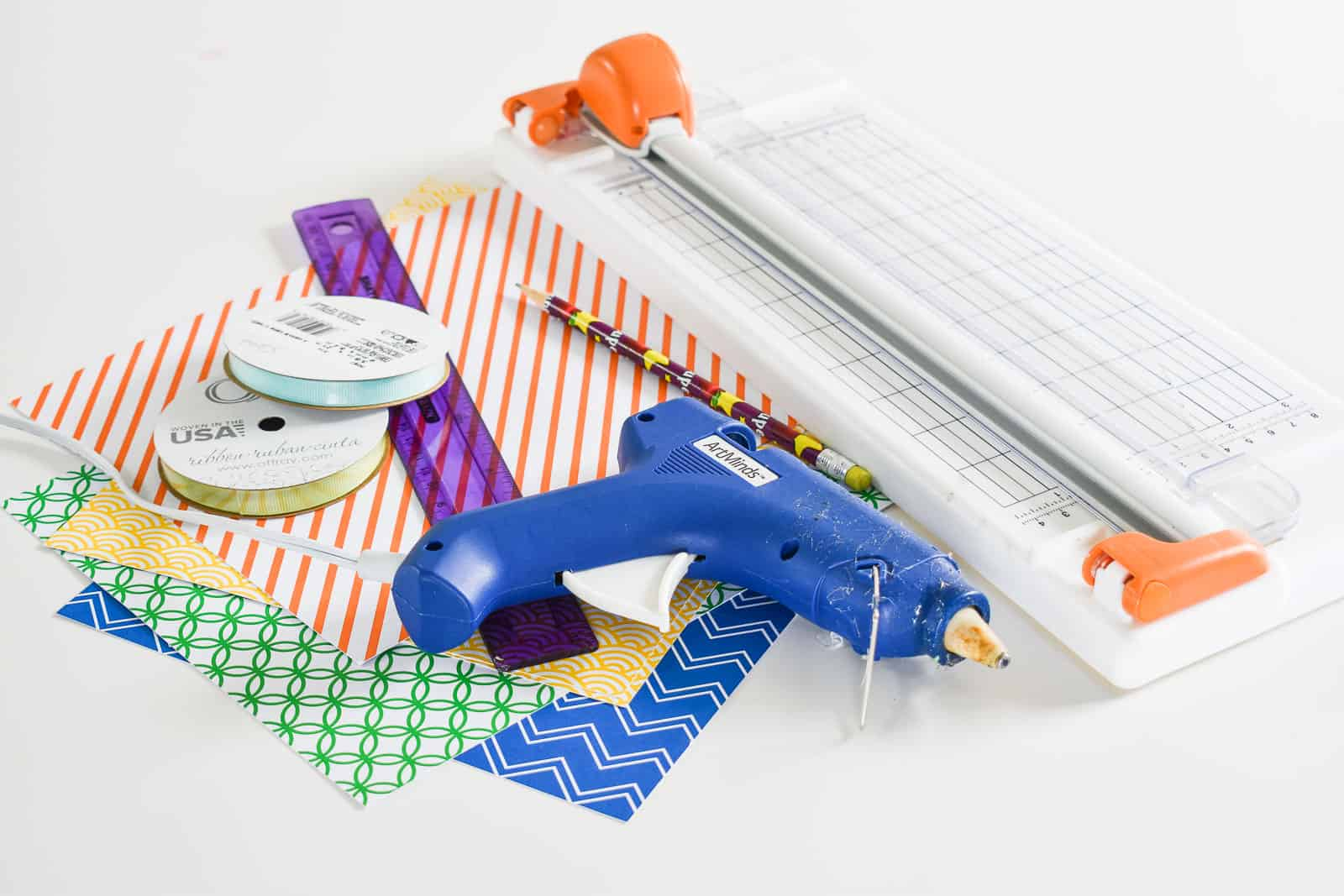 supplies for paper garland
