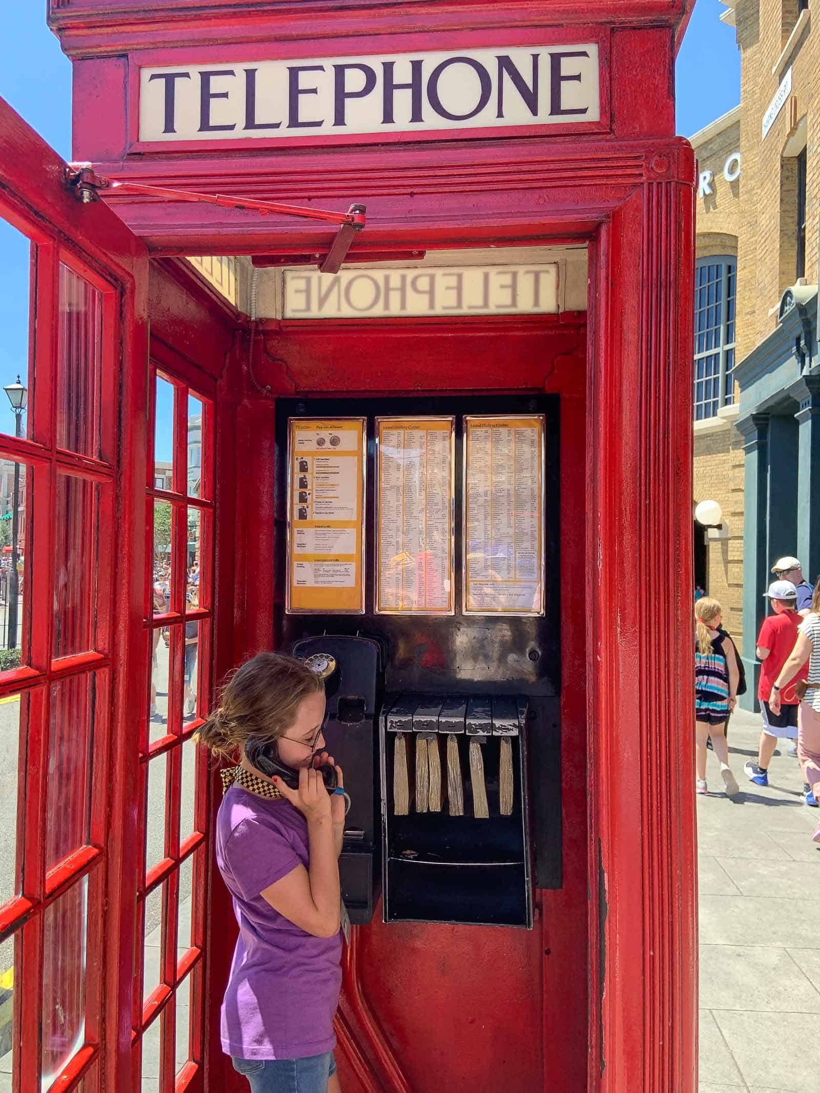 dialing the ministry of magic at harry potter world