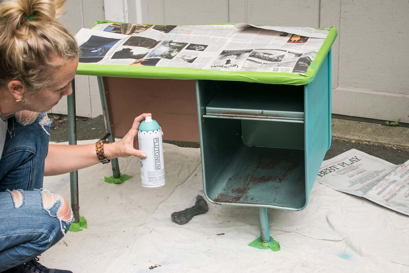 spray paint the desk