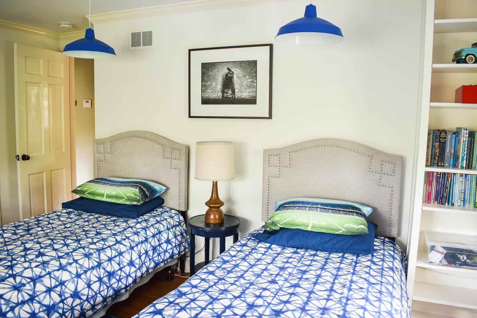 blue bedroom pendant lights using the magic light trick