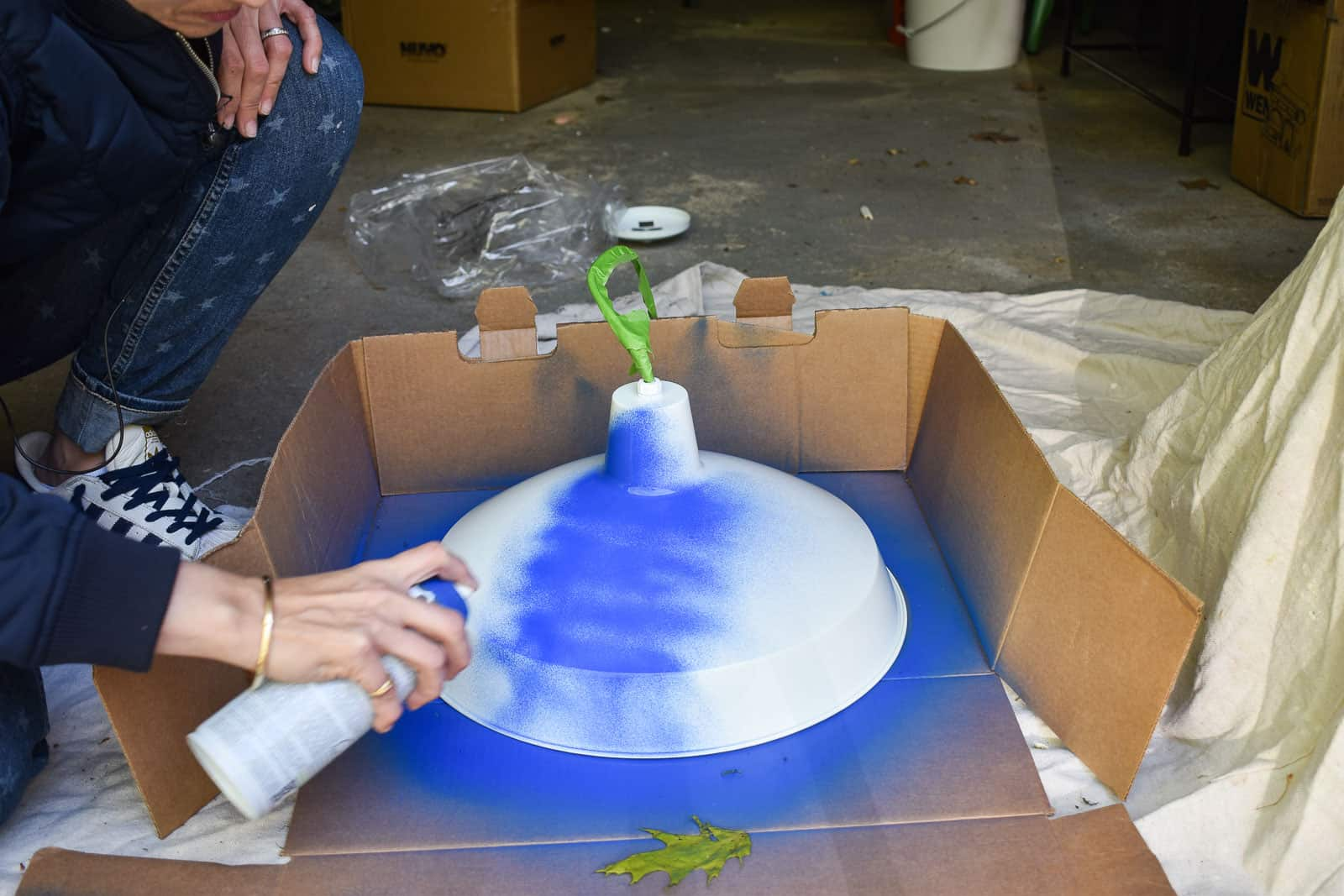 spray paint the top of the pendant light