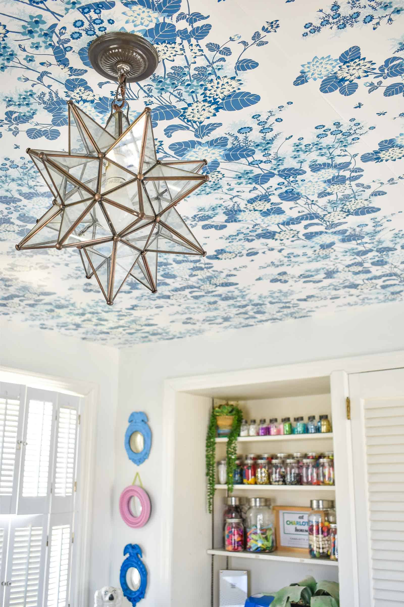 hanging wallpaper on ceiling without paste