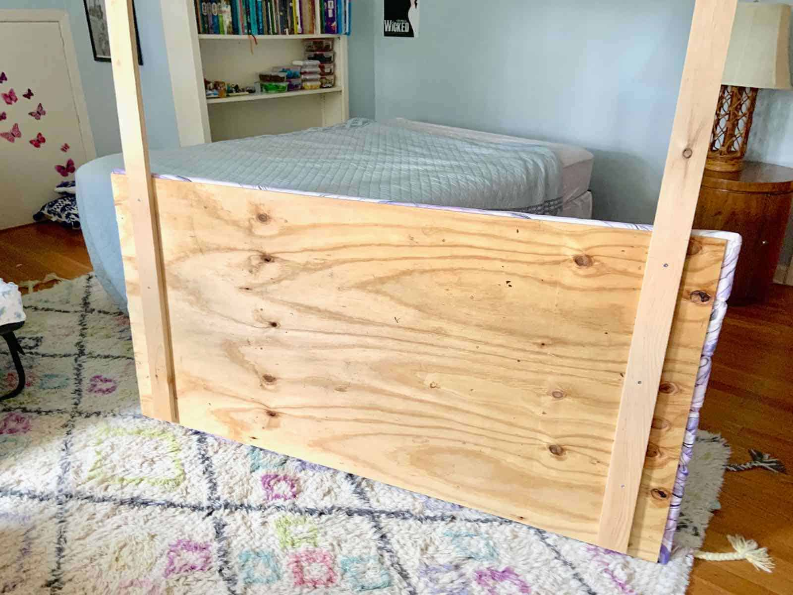 adding legs to DIY headboard