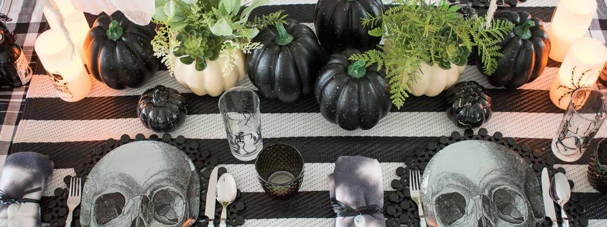 Skeleton Halloween Table Decor