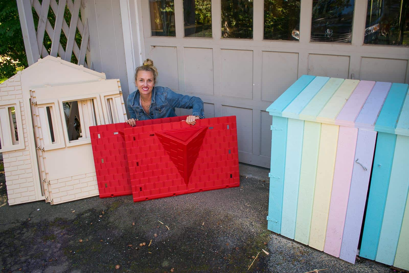 charlotte with little tikes playhouse