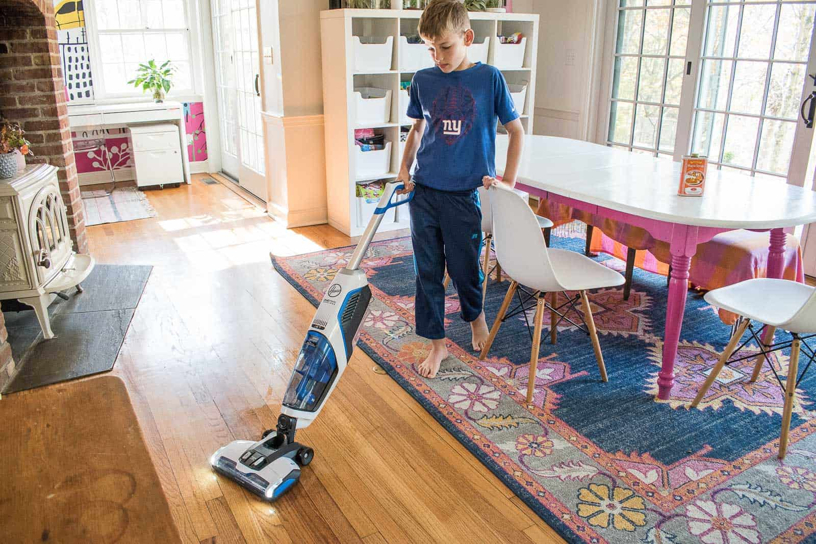 holiday prep with cordless hoover vacuum cleaners at charlotte 39 s house. Black Bedroom Furniture Sets. Home Design Ideas